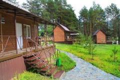 Действующая круглогодичная база отдыха на Горном Алтае (с.Чемал)